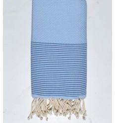 Strandtuch Wabe hellblau mit azurblauen Streifen