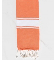 Enfant couleur orange corail